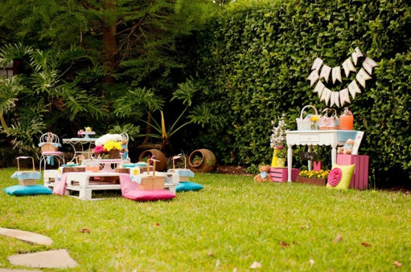 Fonte: http://www.karaspartyideas.com/2013/06/teddy-bear-picnic-3rd-birthday-party.html