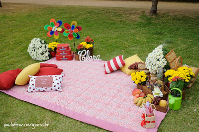 Fonte: http://desinartes.blogspot.com.br/2012/09/festa-picnic.html