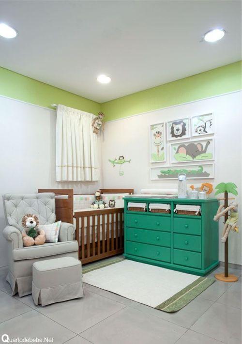 Esse quarto mescla o tradicional com peças contemporâneas. Ficou lindo. Imagem: Pinterest