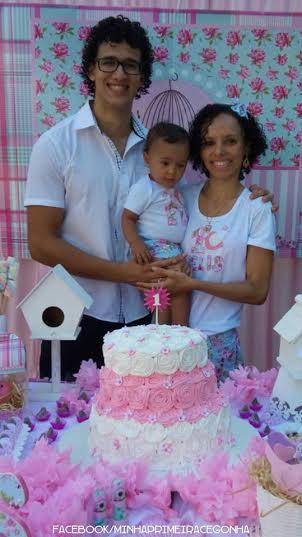E aí está a linda família da Elis! Parabéns princesa, Papai do Céu abençoe muito, muito!