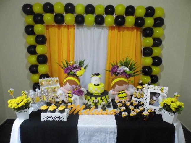 Quem diria que o preto e o amarelo daria uma linda combinação de cores?