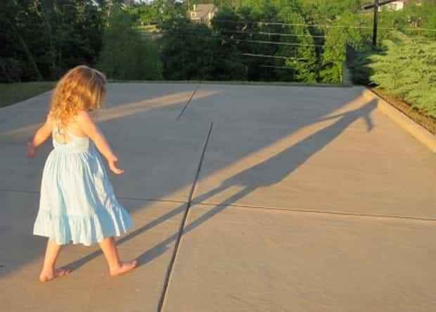 """O dia em que parei de dizer """"anda logo"""" Por Rachel Macy Stafford publicado originalmente no blog Hands Free Mama"""