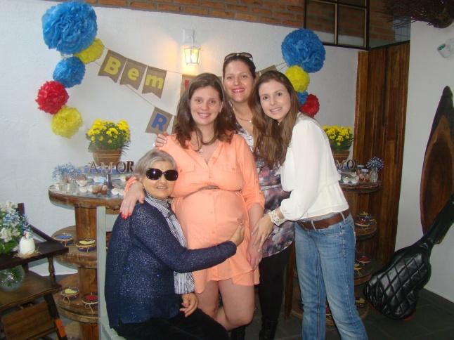 E pra finalizar uma foto da Marida com a mãe que infelizmente os deixou quando o Raul tinha apenas 23 dias.